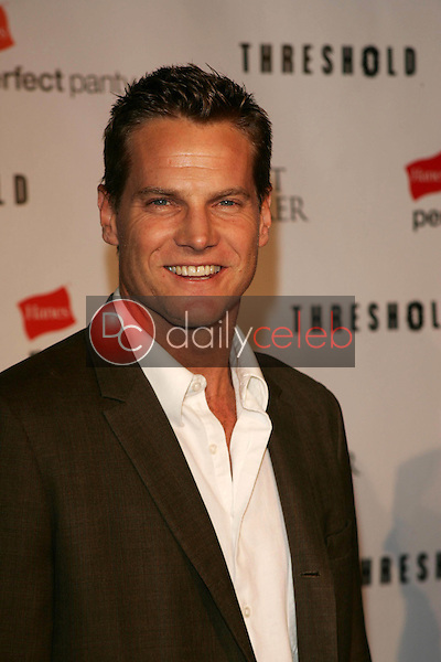 Brian Van Holt<br /> At the CBS &quot;Ghost Whisperer&quot; and &quot;Threshold&quot; premiere screening, Hollywood Forever Cemetery, Hollywood, CA 09-09-05<br /> David Edwards/DailyCeleb.Com 818-249-4998