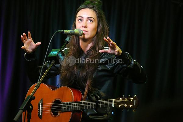 BALA CYNWYD, PA -OCTOBER 10 : Amy Shark visits Radio 104.5 performance studio in Bala Cynwyd, Pa on October 10, 2018 Credit: Star Shooter/MediaPunch