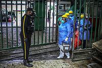 MEDELLIN - COLOMBIA, 15-03-2020: Jornada de desinfección de la plaza Minorista de Medellín durante el día 21 de la cuarentena total en el territorio colombiano causada por la pandemia  del Coronavirus, COVID-19. / Disinfection of the retail market place of Medellin of during day 21 of total quarantine in Colombian territory caused by the Coronavirus pandemic, COVID-19. Photo: VizzorImage / Leon Monsalve / Cont
