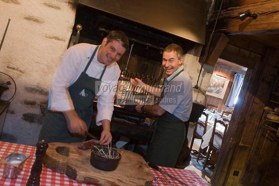 Europe/France/Rhone-Alpes/74/Haute-Savoie/ Chamonix:La Maison Carrier- Pierre Carrier en cuisine avec son chef Stéphane Gassot