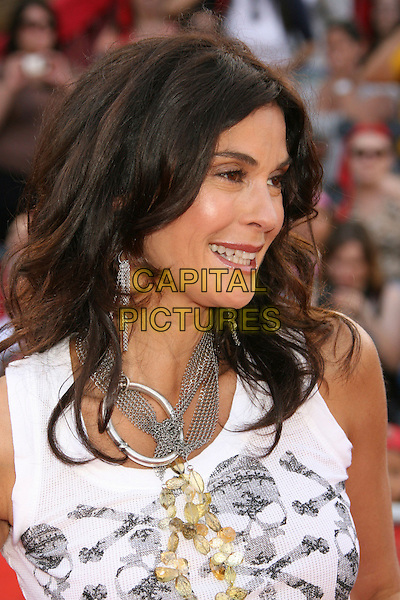 "TERI HATCHER.""Pirates Of The Caribbean: At World's End"" World Premiere held at Disneyland, Anaheim, California, USA,.May 19th, 007.3 headshot portrait silver necklace .CAP/ADM/RE.©Russ Elliot/AdMedia/Capital Pictures"