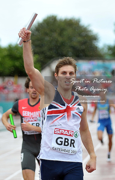 Richard Buck (GBR) celebrates. Mens 4 x 400m relay.  Day 2. European Team Athletics Championships. Gateshead. Tyne and Wear. UK. 23/06/2013. <br />  MANDATORY Credit Garry Bowden/SIPPA - NO UNAUTHORISED USE - 07837 394578