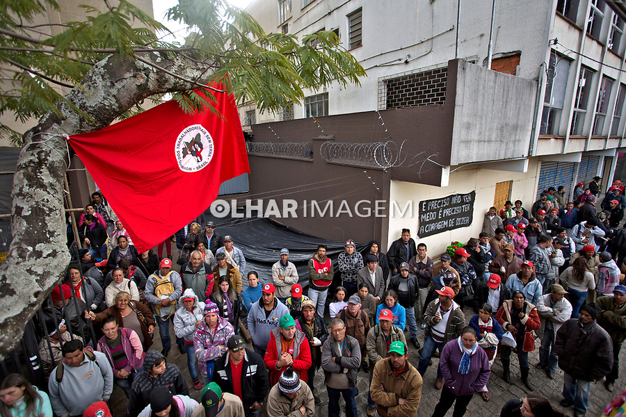 Invasao do Movimento dos Sem Terra, MST ocupa a sede do Incra em Curitiba. Parana. 2016. Foto de Olga Leiria.