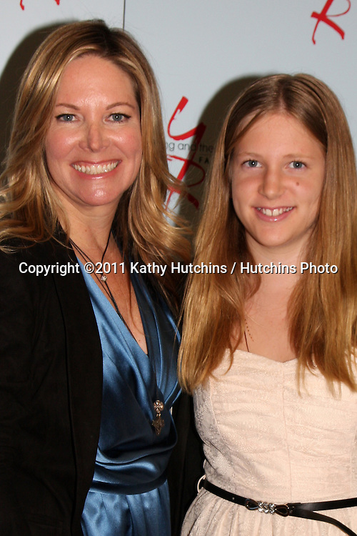 LOS ANGELES - AUG 26:  Maria Arena Bell, Sabrina Bell (Daughter) attending the Young & Restless Fan Dinner 2011 at the Universal Sheraton Hotel on August 26, 2011 in Los Angeles, CA