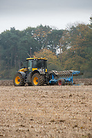 JCB Fastrac ploughing Winter Stubble<br /> Picture Tim Scrivener 07850 303986<br /> &hellip;.covering agriculture in the UK&hellip;.
