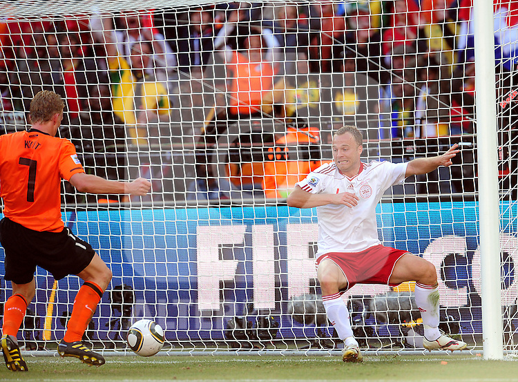 7 Dirk KUYT scoring a goal during the 2010 World Cup Soccer match between Denmark and Nederland played at Soccer City Stadium in Johannesburg South Africa on 14 June 2010.