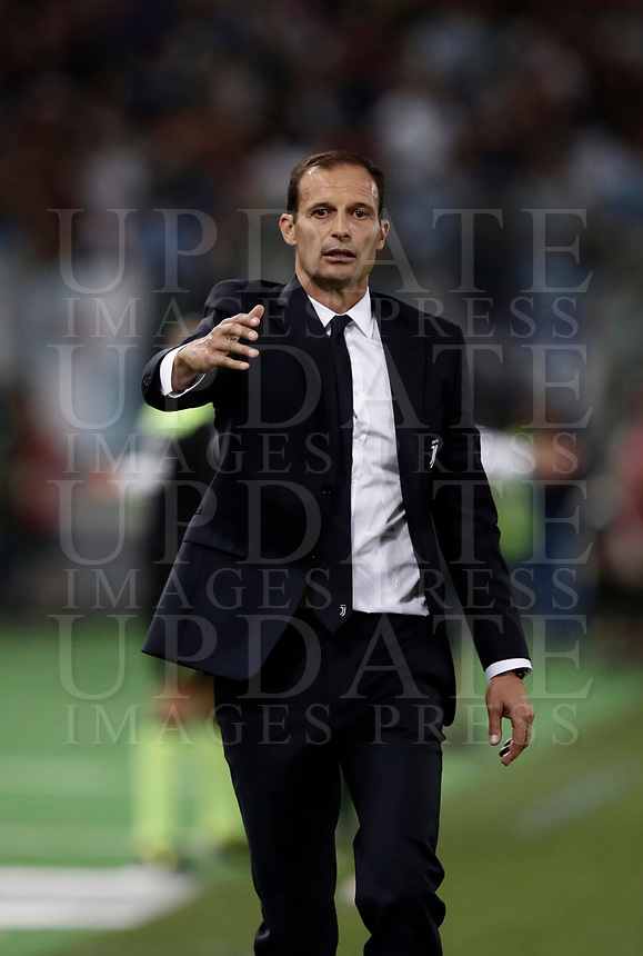 Calcio, Football - Juventus vs Lazio Italian Super Cup Final  <br /> Juventus' coach Massimiliano Allegri speaks to his players during the Italian Super Cup Final football match between Juventus and Lazio at Rome's Olympic stadium, on August 13, 2017.<br /> UPDATE IMAGES PRESS/Isabella Bonotto