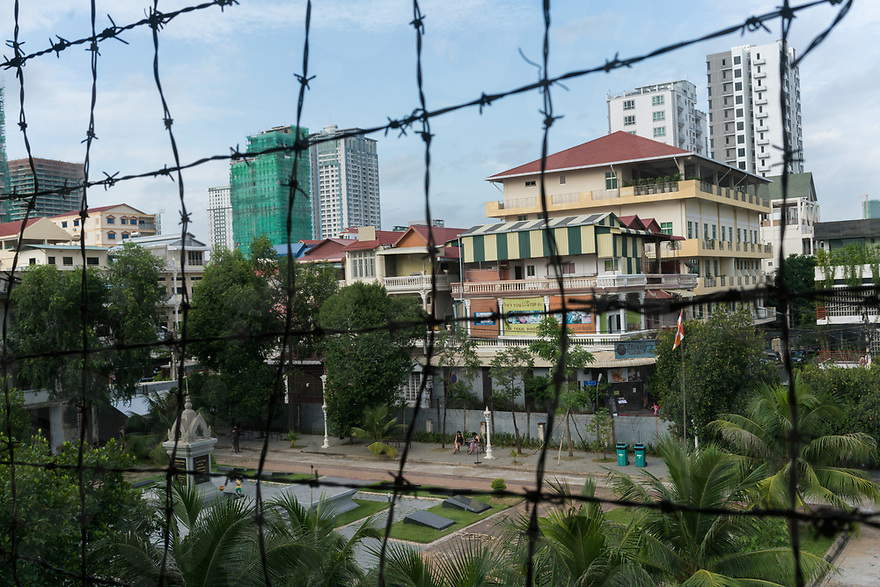 June 11, 2017 - Phnom Penh (Cambodia). Brand new high-rise buildings sorround now the Tuol Sleng, the former school converted into a prison by the Khmer Rouge. © Thomas Cristofoletti / Ruom