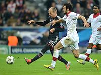 FUSSBALL   CHAMPIONS LEAGUE   SAISON 2012/2013   GRUPPENPHASE   FC Bayern Muenchen - LOSC Lille                          07.11.2012 Arjen Robben (li, FC Bayern Muenchen) gegen Marko Basa (LOSC Lille)