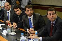 RIO DE JANEIRO, RJ, 12.07.2016 - SAUDE-RJ - O ministro da Saúde, Ricardo Barros durante apresentação do Centro Integrado de Operações Conjuntas da Saúde (CIOCS) para os Jogos Olímpicos e Paralímpicos. A unidade, coordenada pelo Ministério da Saúde, em parceria com os estados e municípios envolvidos com os jogos, é responsável por monitorar as ocorrências de saúde no período da competição no Centro de Operações do Rio (COR) região central do Rio de Janeiro nesta terça-feira, 12. (Foto: Jorge Hely/Brazil Photo Press)