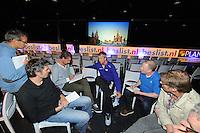 SCHAATSEN: ZAANDAM: 08-10-2013, Taets art Gallery, Perspresentatie Team Beslist.nl, De pers in gesprek met Michel Mulder, ©foto Martin de Jong