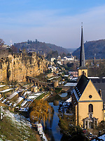 Bock-Kasematten, Alzette und Abtei Neum&uuml;nster in Grund, Luxemburg-City, Luxemburg, Europa, UNESCO-Weltkulturerbe<br /> Bock Casemate, Alzette and Abbey Neum&uuml;nster, Luxembourg City, Europe, UNESCO Heritage Site