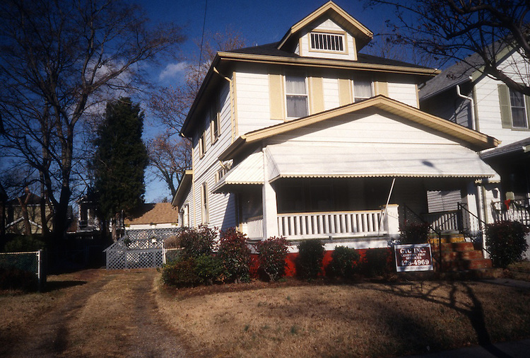1996 January 04..Conservation.Park Place..BEFORE REHAB.712 WEST 26TH STREET...NEG#.NRHA#..