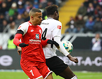 Danny da Costa (Eintracht Frankfurt) gegen Robin Quaison (1. FSV Mainz 05) - 17.03.2018: Eintracht Frankfurt vs. 1. FSV Mainz 05, Commerzbank Arena