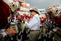 TALLAHASSEE, FL 10/31/09-FSU-NCST FB09 CH62-Florida State Head Coach Bobby Bowden talks to his team prior to the N.C. State game Saturday at Doak Campbell Stadium in Tallahassee. .COLIN HACKLEY PHOTO