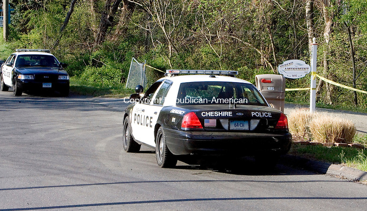 CHESHIRE, CT. 20 April 2012-042012SV03-Cheshire Police investigate an early morning shooting at at Tufano Amusement on Reinhard Road in Cheshire Friday..Steven Valenti Republican-American