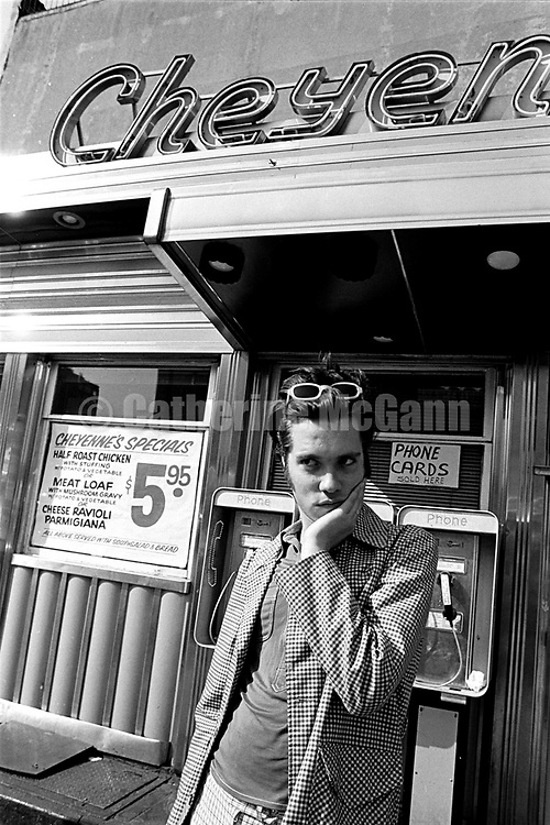 NEW YORK - MAY 15:  Singer songwriter Rufus Wainwright poses for a portrait at the Cheyenne Diner on May 15, 1998 in New York City, New York (Photo by Catherine McGann).Copyright 2010 Catherine McGann