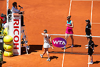 Romanian Simona Halep and Czech Karolina Pliskova during Mutua Madrid Open 2018 at Caja Magica in Madrid, Spain. May 10, 2018. (ALTERPHOTOS/Borja B.Hojas) /NORTEPHOTOMEXICO