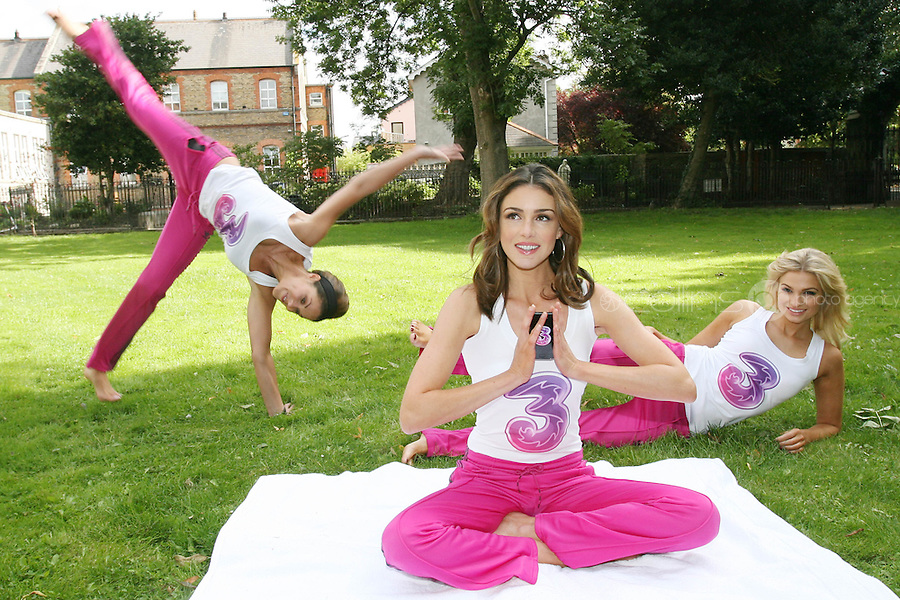 16/9/2010. 3 Launch.Pictured at the Dylan Hotel Dublin to mark the launch of the new Flex price plans for the Samsung Galaxy, Xpose starGlenda Gilson,Sara KavanaghandRuth Griffin take up some flexible poses. Picture James Horan/Collins