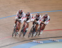 CALI - COLOMBIA - 16-01-2015: Equipo de Japon, durante prueba de persecución  por equipos femenino en el Velodromo Alcides Nieto Patiño, sede de la III Copa Mundo UCI de Pista de Cali 2014-2015  / Japan Team, during a Women´s Teams Pursuit test at the Alcides Nieto Patiño Velodrome, home of the III Cali Track World Cup 2014-2015 UCI. Photos: VizzorImage / Luis Ramirez / Staff.