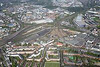 Mitte Altona: EUROPA, DEUTSCHLAND, HAMBURG, (EUROPE, GERMANY), 19.04.2014: Noerdlich des Bahnhof Hamburg-Altona erstreckt sich ein circa 30 Hektar grosses Gelaende  zum Teil Brachflaeche, ehemaliger Gueterbahnhof und Lagerflaeche der Holstenbrauerei  dass durch mehrere Gleise des Fernverkehrs und der Hamburger S-Bahn durchschnitten wird.<br /> Seit Jahren gibt es Ueberlegungen und Planungen, dieses Gelaende einer neuen Nutzung zu ueberfuehren. Grundlage f&uuml;r diese Planspiele ist die Verlegung des Fernbahnhofs Altona in einen Bereich noerdlich dieses Gebiets, vermutlich auf der Hoehe der S-Bahn-Station Diebsteich. Damit wuerde ein guter Teil der Gleis- und Bahnbetriebsflaechen frei werden und eine geschlossene Flaeche entstehen, die neu geplant und bebaut werden koennte.