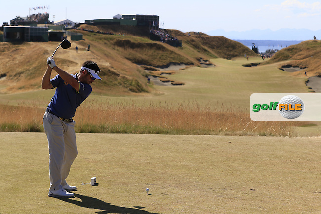 Louis Oosthuizen (RSA) tees off the 10th tee during Sunday's Final Round of the 2015 U.S. Open 115th National Championship held at Chambers Bay, Seattle, Washington, USA. 6/21/2015.<br /> Picture: Golffile | Eoin Clarke<br /> <br /> <br /> <br /> <br /> All photo usage must carry mandatory copyright credit (&copy; Golffile | Eoin Clarke)