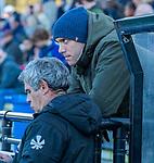 UTRECHT -  De geblesseerde David Harte met assistent-coach Alex Verga (Kampong)  tijdens  de hoofdklasse hockeywedstrijd mannen, Kampong-Amsterdam (4-3).  COPYRIGHT KOEN SUYK
