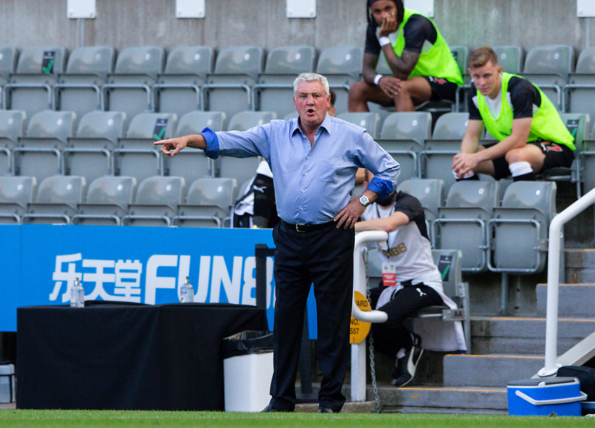 Newcastle United manager Steve Bruce shouts instructions to his team from the technical area<br /> <br /> Photographer Alex Dodd/CameraSport<br /> <br /> The Premier League - Newcastle United v Aston Villa - Wednesday 24th June 2020 - St James' Park - Newcastle <br /> <br /> World Copyright © 2020 CameraSport. All rights reserved. 43 Linden Ave. Countesthorpe. Leicester. England. LE8 5PG - Tel: +44 (0) 116 277 4147 - admin@camerasport.com - www.camerasport.com