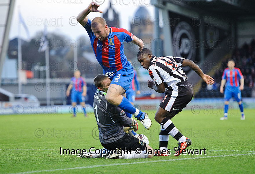 ST MIRREN'S NIGEL HASSELBAINK STEALS THE BALL AS CALEY'S ROSS TOKELY COLLIDES WITH HIS KEEPER RYAN ESSON..03/12/2011   Copyright  Pic : James Stewart.sct_jsp003_st_mirren_v_ict  .James Stewart Photography 19 Carronlea Drive, Falkirk. FK2 8DN      Vat Reg No. 607 6932 25.Telephone      : +44 (0)1324 570291 .Mobile              : +44 (0)7721 416997.E-mail  :  jim@jspa.co.uk.If you require further information then contact Jim Stewart on any of the numbers above.........