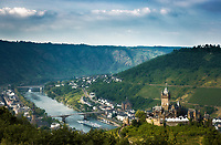 Deutschland, Rheinland-Pfalz, Moseltal, Cochem an der Mosel mit Reichsburg | Germany, Rhineland-Palatinate, Moselle Valley, Cochem at river Moselle with castle (Reichsburg)