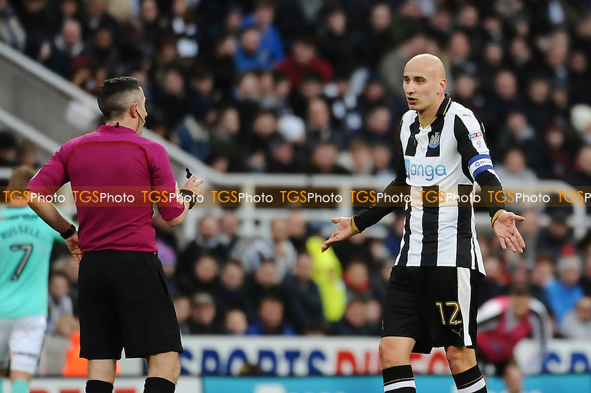 Jonjo Shelvey of Newcastle United complains to referee Darren Bond during Newcastle United vs Derby County, Sky Bet EFL Championship Football at St. James' Park on 4th February 2017
