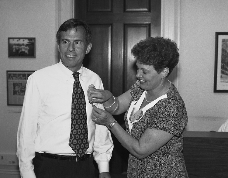 Rep. Bart Gordon, D-Tenn., with his wife Leslie. (Photo by CQ Roll Call via Getty Images)