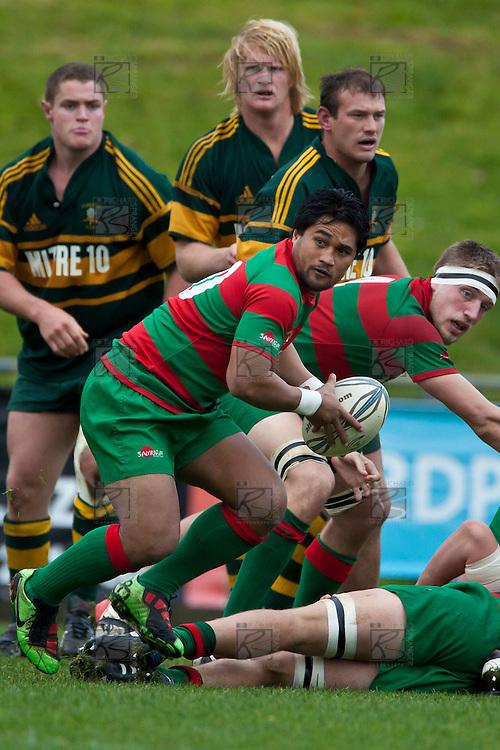 Notise Tauafoa looks to his backs as he runs from a ruck. Counties Manukau McNamara Cup Premier Club Rugby final between Pukekohe andWaiuku, held at Bayer Growers Stadium, on Saturday July 17th. Waiuku won 25 - 20.