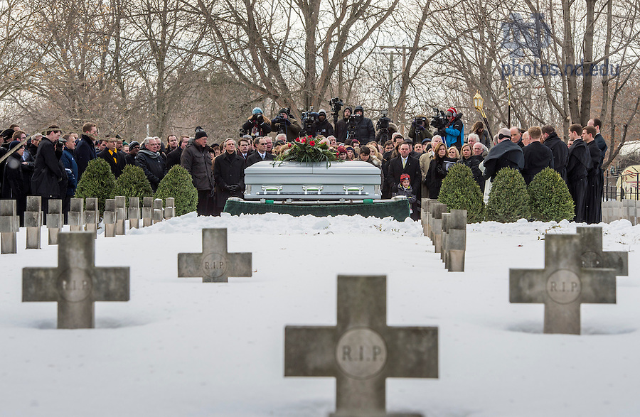 Mar. 4, 2015; Graveside services for President Emeritus Rev. Theodore M. Hesburgh, C.S.C. at the Congregation of Holy Cross cemetery. (Photo by Barbara Johnston/University of Notre Dame)