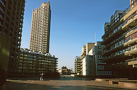 London:  Barbican--A Plaza?  1957-1979.  Chamberlin, Powell and Bon.
