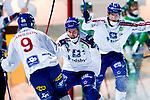 Stockholm 2013-03-05 Bandy SM-semifinal 2 , Hammarby IF - Edsbyns IF :  .Edsbyn 17 Mattias Hammarström jublar med lagkamrater efter sitt 2-0 mål.(Byline: Foto: Kenta Jönsson) Nyckelord:  jubel glädje lycka glad happy