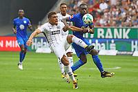 Simon Falette (Eintracht Frankfurt) gegen Nani Landry Dimata (VfL Wolfsburg) - 26.08.2017: Eintracht Frankfurt vs. VfL Wolfsburg, Commerzbank Arena, 2. Spieltag Bundesliga