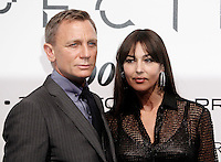 L' attore inglese Daniel Craig e l'attrice Monica Bellucci posano sul red carpet per la premiere del film 'Spectre' a Roma, 27 ottobre 2015 .<br /> British actor Daniel Craig and Italian actress Monica Bellucci pose on the red carpet for the premiere of the movie 'Spectre' premiere in Rome, 27 October 2015 .<br /> UPDATE IMAGES PRESS/Isabella Bonotto<br /> <br /> *** ITALY AND GERMANY OUT  ***