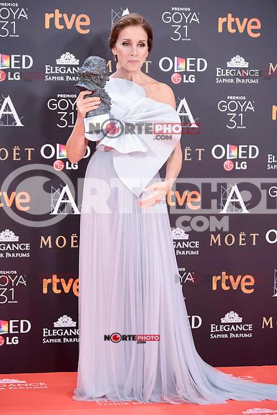 Ana Belen pose to the media with the honorific Goya  award at Madrid Marriott Auditorium Hotel in Madrid, Spain. February 04, 2017. (ALTERPHOTOS/BorjaB.Hojas) /NORTEPHOTO.COM