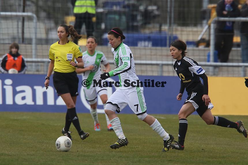 Viola Odebrecht (Wolfsburg) gegen Kozue Ando (FFC)