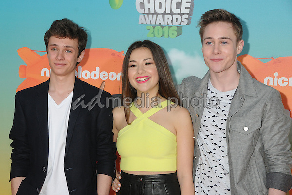 12 March 2016 - Inglewood, California - Taylor Adams, Esther Zyskind, Callan Potter. 2016 Nickelodeon Kids' Choice Awards held at The Forum. Photo Credit: Byron Purvis/AdMedia
