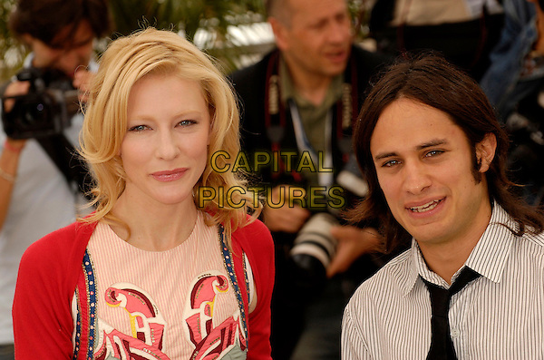 "CATE BLANCHETT & GAEL GARCIA BERNAL.""Babel""  photocall at the 59th International Cannes Film Festival, Cannes, France..May 23rd, 2006.Ref: KRA.headshot portrait.www.capitalpictures.com.sales@capitalpictures.com.©Persun/Capital Pictures"