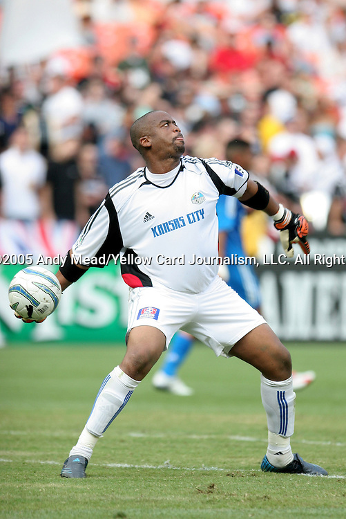 9 July 2005: Bo Oshoniyi throws the ball. The Kansas City Wizards defeated DC United 1-0 at RFK Stadium in Washington, DC in a regular season Major League Soccer game. .