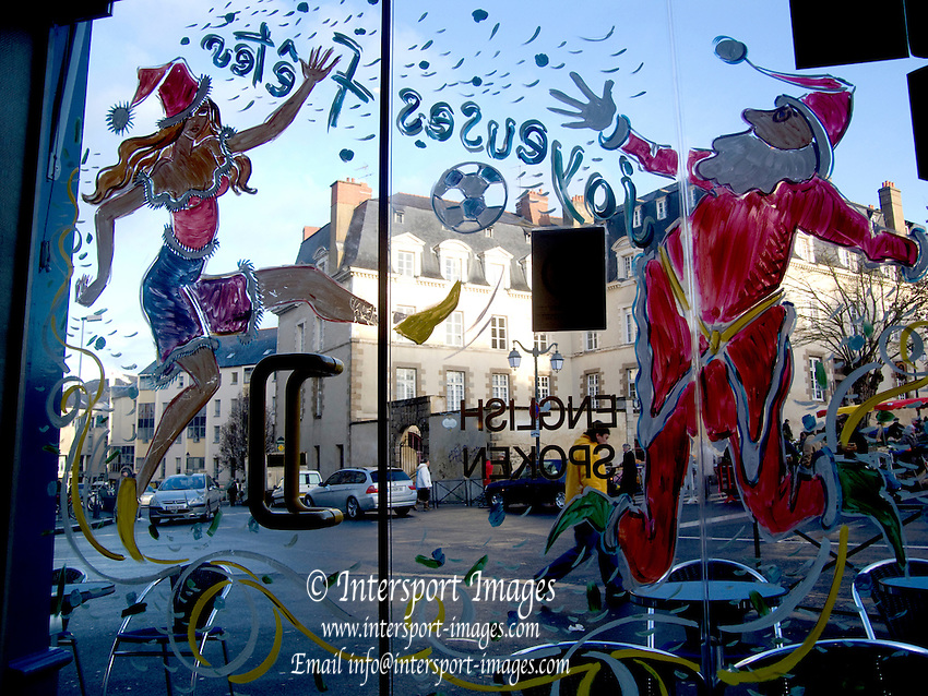 Rennes, FRANCE, General View,  Christmas painted decorations on a cafe door  in Rennes Market, Saturday morning market, Brittany. [2009 Boxing day Market]  Saturday  26/12/2009 [Mandatory Credit Peter Spurrier Intersport Images]