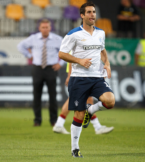 Carlos Bocanegra warming up before the match in Maribor