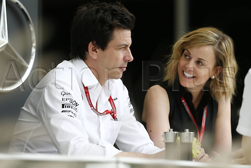 01.04.2016. Bahrain. FIA Formula One World Championship 2016, Grand Prix of Bahrain, Practise day. Toto Wolff (AUT, Mercedes AMG Petronas Formula One Team), 41 Susie Wolff (GBR, Williams Martini Racing)