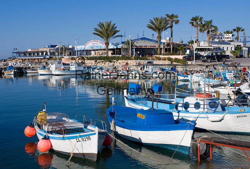 CYPRUS, Agia Napa (Ayia Napa): Limanaki, small harbour of popular holiday resort<br />