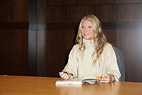 """LOS ANGELES - JAN 14:  Gwyneth Paltrow signs her new Book """"The Clean Plate"""" at the Barnes & Noble at The Grove on January 14, 2019 in Los Angeles, CA"""