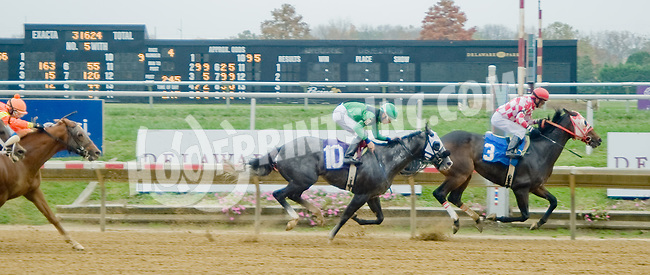 Kafwain Wedgeheart winning at Delaware Park on 10/25/12