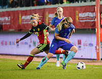 20161124 - LEUVEN ,  BELGIUM : Belgian Jana Coryn (L) and Dutch Stefanie Van Der Gragt (R)  pictured during the female soccer game between the Belgian Red Flames and The Netherlands , a friendly game before the European Championship in The Netherlands 2017  , Thursday 24 th November 2016 at Stadion Den Dreef  in Leuven , Belgium. PHOTO SPORTPIX.BE | DIRK VUYLSTEKE